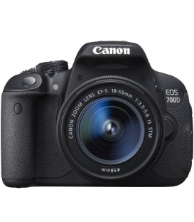 Canon EOS 700D with 18-55mm IS STM Kit